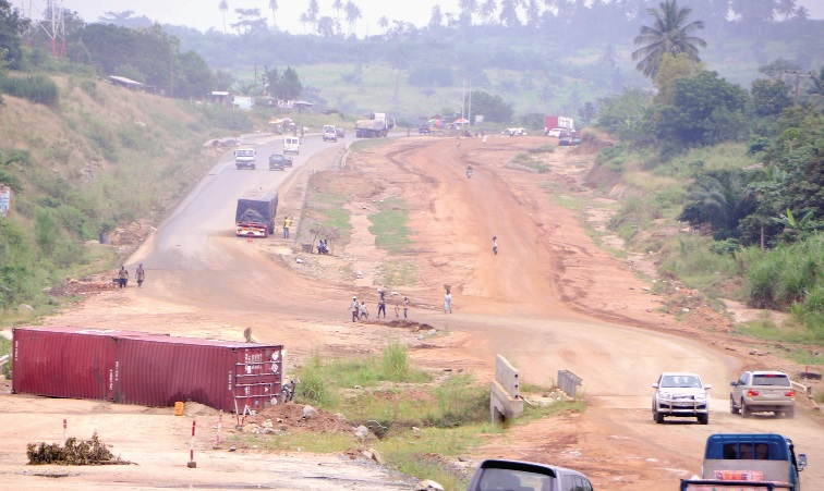 Photo Reporting- Re: Nsawam-Apedwa High Road